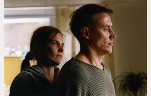 Ansku (Johanna Kerttula) ja Ilpo (Heikki Rantanen). Kuva: Sanna Vanninen.