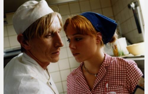 Erkka (Ilkka Koivula) ja Virve (Pihla Penttinen). Kuva: Sanna Vanninen.