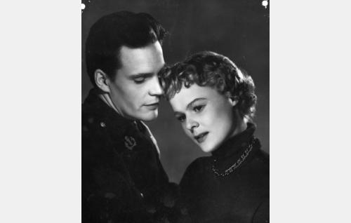 Tommi Rinne ja Liisa Taxell.