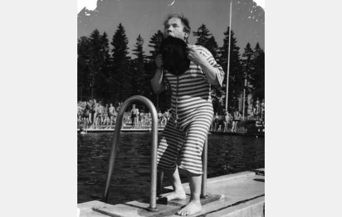 Pätkä (Masa Niemi) Kumpulan uimalassa.