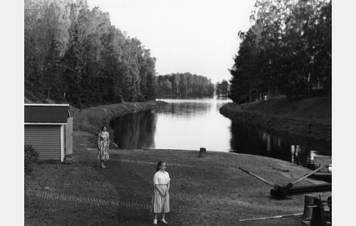 Rauni Luoma ja Aino-Maija Tikkanen.