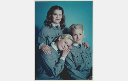 Lotat Ruth Limnell (Hanna Lekander, vas.), Mona Moisio (Laura Birn) ja Anna Moisio (Karoliina Vanne, takana).