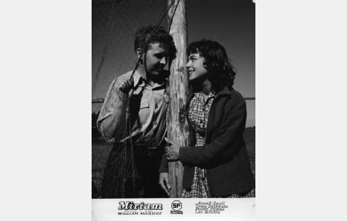 Hans Allnes (Pentti Siimes) ja Miriam (Anneli Sauli).