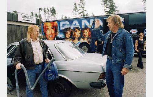 Pera (Heikki Silvennoinen) ja Danny (Danny).