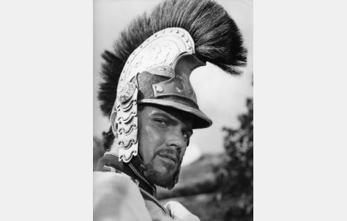 Itävaltalainen upseeri (Folke Sundquist).