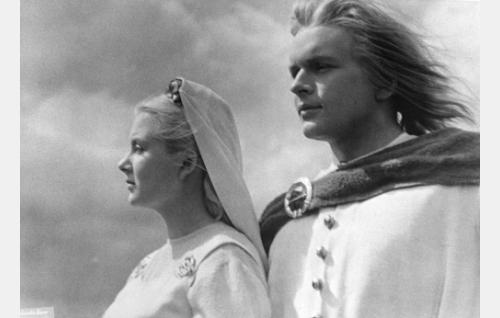 Annikki ja Lemminkäinen.