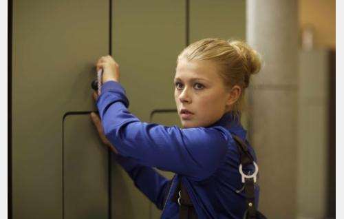Emilia (Ada Kukkonen). Kuva: Solar Films / Jani Häkli.