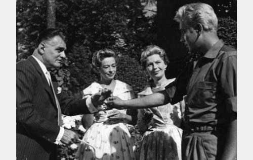 Tauno Palo, Gunvor Sandkvist, Liisa Nevalainen ja Martti Katajisto