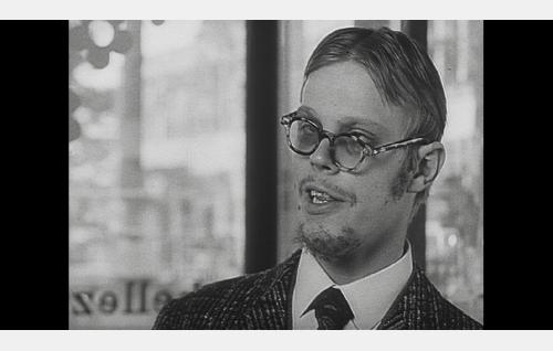 Vesa-Matti Loiri elokuvassa Leikkikalugansteri.