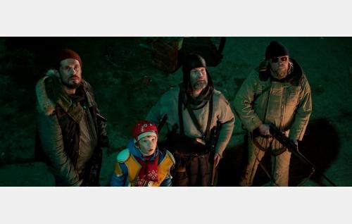 Aimo (Tommi Korpela), Pietari (Onni Tommila), Rauno (Jorma Tommila) ja Piiparinen (Rauno Juvonen). Kuva: Mika Orasmaa. © Cinet Oy.