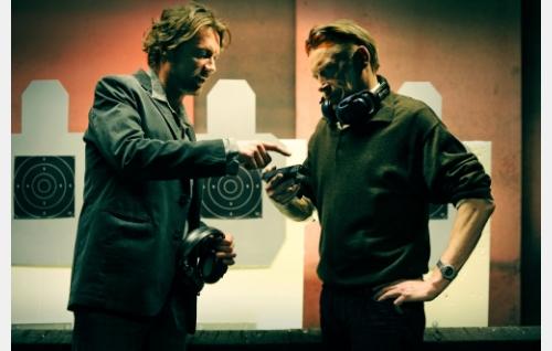 Vares (Antti Reini) ja komisario  Hautavainio (Ilkka Heiskanen). Kuva: Solar Films Inc. Oy / Jan Granström.