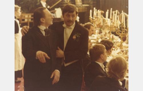 Kasimir Leino (Paavo Liski) ja Eino Leino (Esko Salminen). Kuva: Jussi Aalto.