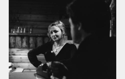 """Leila, """"Lollo"""" (Jaana Oravisto) ja Erkki, hänen aviomiensä (Jorma Markkula)"""