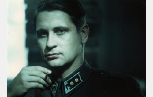 Luutnantti, myöh. kapteeni Lammio (Kari Väänänen)