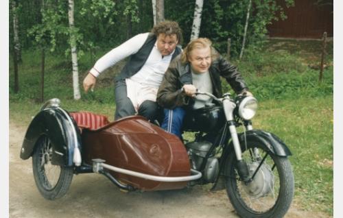 Kaino Lingsman (Juha Laitila) ja Heka Haimakainen (Jope Ruonansuu).