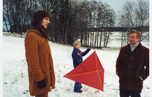 Dani (Pekka Strang), Riku  (Emil Lundberg) ja heidän isänsä Henrik Bexar (Pirkka-Pekka Petelius).