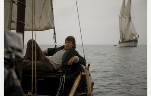 Elias (Tobias Zilliacus) postiveneessään. Kuva: Stefan Bremer.
