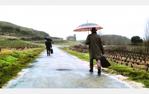 Matkamiehet Comaz (Hugo Wirz) ja Ignacio (Nacho Angulo) La Riojassa Pohjois-Espanjassa. © Rax Rinnekangas.