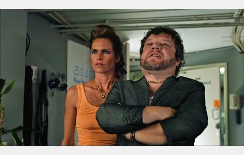 Inga (Katja Kiuru) ja Fjäder (Ari Wirta). Kuva: Solar Films Inc. Oy.