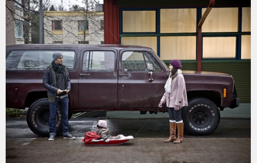 Tero (Mikko Leppilampi), Nella (Alisa Hakala) ja Laura (Sibel Kekilli).