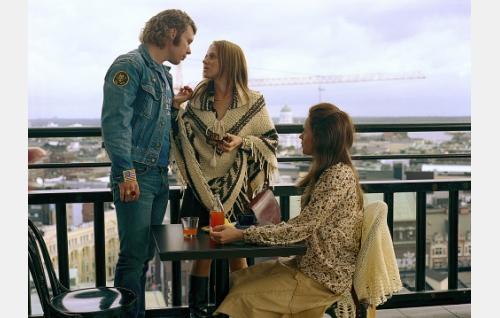 Remu (Eero Milonoff), Paula (Mervi Takatalo) ja Satu (Leena Pöysti).