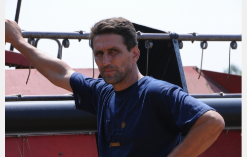 Roman Kryvochenko, ukrainalainen leikkuupuimurin kuljettaja. Kuva: Oktober Oy.