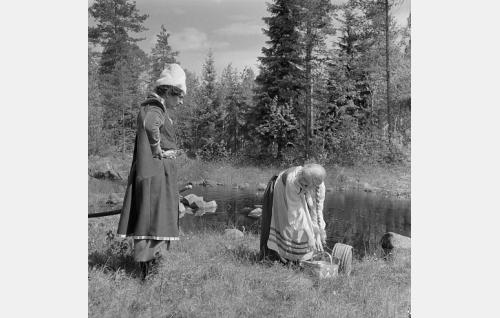 Santeri Karilo ja Hilkka Helinä.