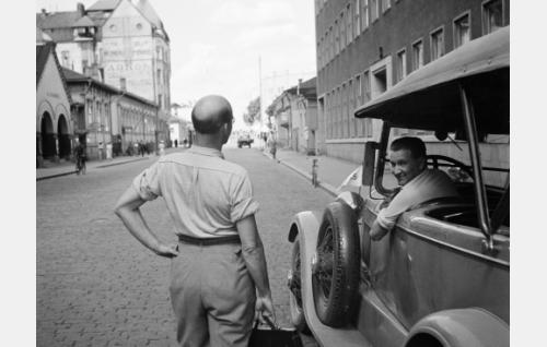 Vas. Topo Leistelä ja Emil Lucenius