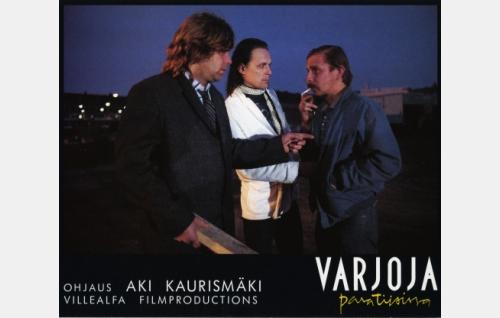 Pelle (Markku Valtonen), Staffan (Sakari Järvenpää) ja Nikander (Matti Pellonpää).