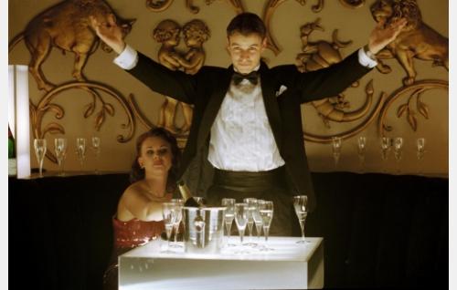 """Kattis"" (Lina Perned) ja Sammy (Peter Franzén)."