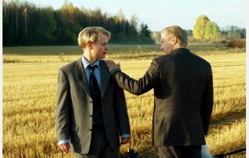 Riku (Paavo Kerosuo) ja Henrik (Pirkka-Pekka Petelius).
