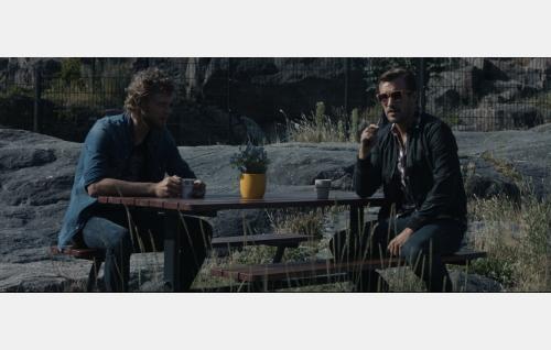 Lasse (Rami Rusinen) ja Simo (Olli Rahkonen). Kuva: It's Alive Productions Oy.