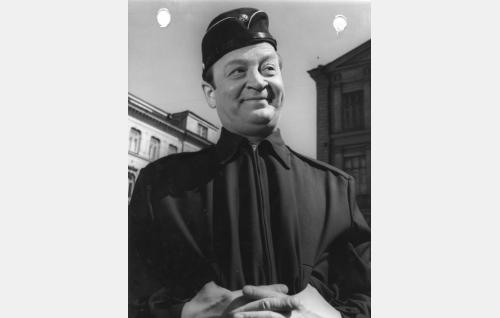 Kersantti Saastamoinen (Pentti Viljanen)