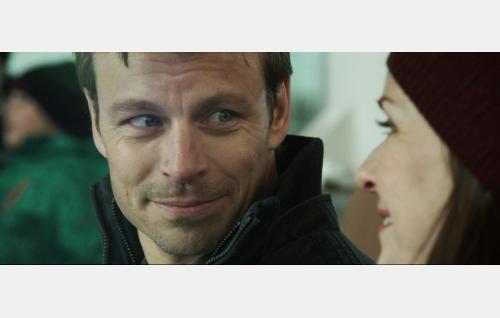 Sami (Peter Franzén) ja Maarit (Leea Klemola). Kuva: Hena Blomberg / Edith film Oy.