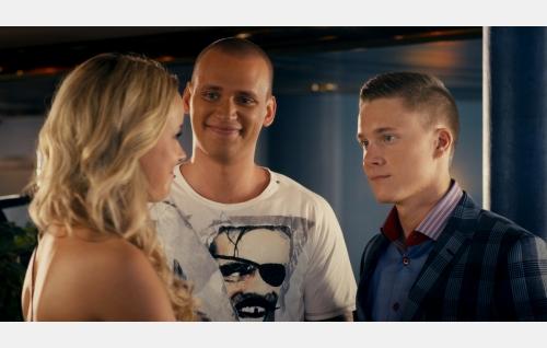 Peppi (Sara Säkkinen), Sampo (Sampsa Tuomala) ja Miro (Patrik Borodavkin). Kuva: FremantleMedia Finland Oy.