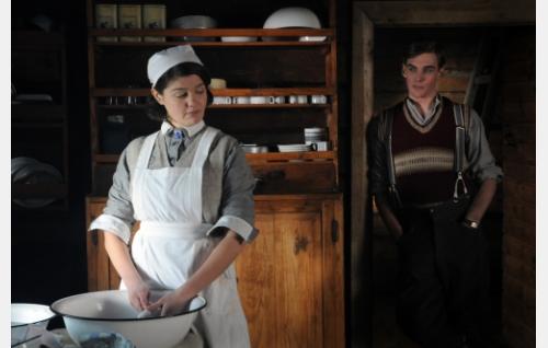 Siiri (Joanna Haartti) ja Antti (Lauri Tilkanen). Kuva: Cine Works Koskinen & Rossi Oy.