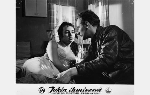 Anneli Sauli ja Jussi Jurkka.
