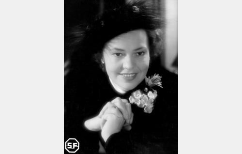 Agnes Kataja (Elsa Turakainen).