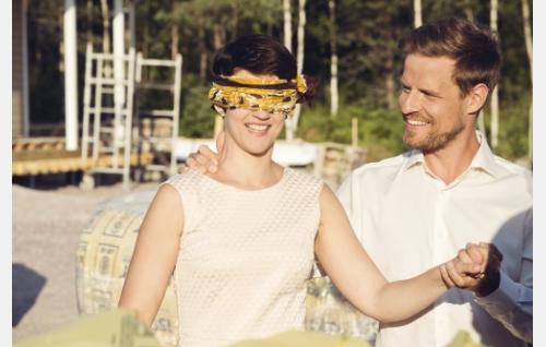 Selja (Maria Ylipää) ja Tomi (Peter Kanerva). © Pohjola-filmi Oy, kuva: Annika Miettinen.