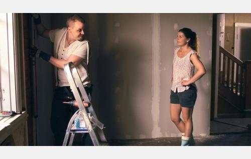 Kake (Jani Volanen) ja Tiina (Armi Toivanen). Kuva: Marianna Films Oy / Kalle Ahti.