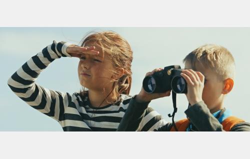 Suvi (Salli Siivonen) ja Toni (Milo Snellman). © Solar Films Inc. Oy.