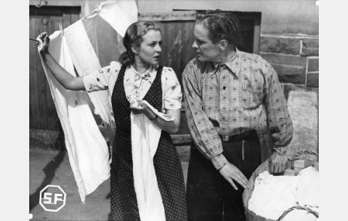 Helena Kara ja Eino Kaipainen.