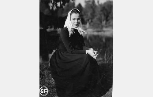 Anna Liisa (Mervi Järventaus).