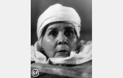 Nainen turkkilaisessa kylpylässä (Lida Salin).