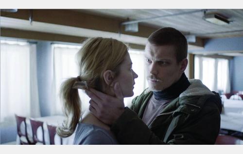 Cindy (Malin Buska) ja Jaakko (Antti Holma). Kuva: © Tuomo Hutri / Making Movies Oy.