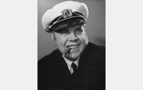 Kapteeni Poukka (Hugo Hytönen).