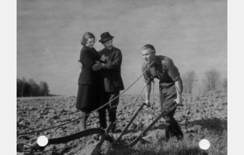 Ghedi Lönnberg, Arvo Lehesmaa ja Kullervo Kalske.