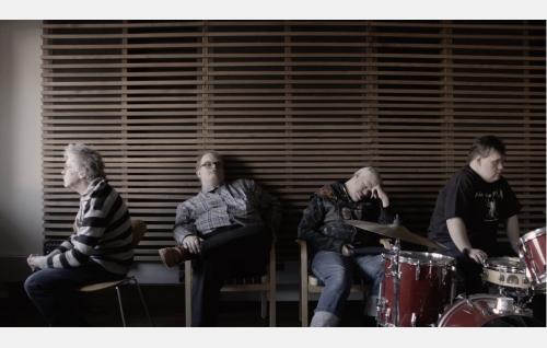 Pertti Kurikka, Sami Helle, Kari Aalto ja Toni Välitalo. Kuva: J-P Passi. © Mouka Filmi Oy.