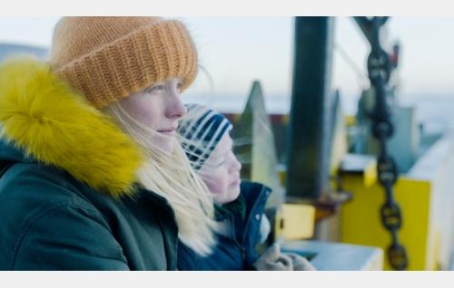 Vera (Laura Birn) ja Saku (Wäinö Pylkkönen). Kuva: Hena Blomberg © Kaiho Republic Oy.