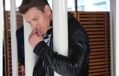 Jare Tiihonen (Antti Holma). Kuva: Helsinki-filmi Oy.